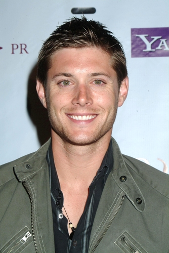 Jensen Ackles beautiful green eyes