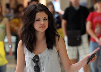 Selena Gomez without makeup