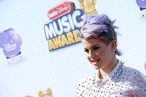 Kelly Osbourne with dyed hair