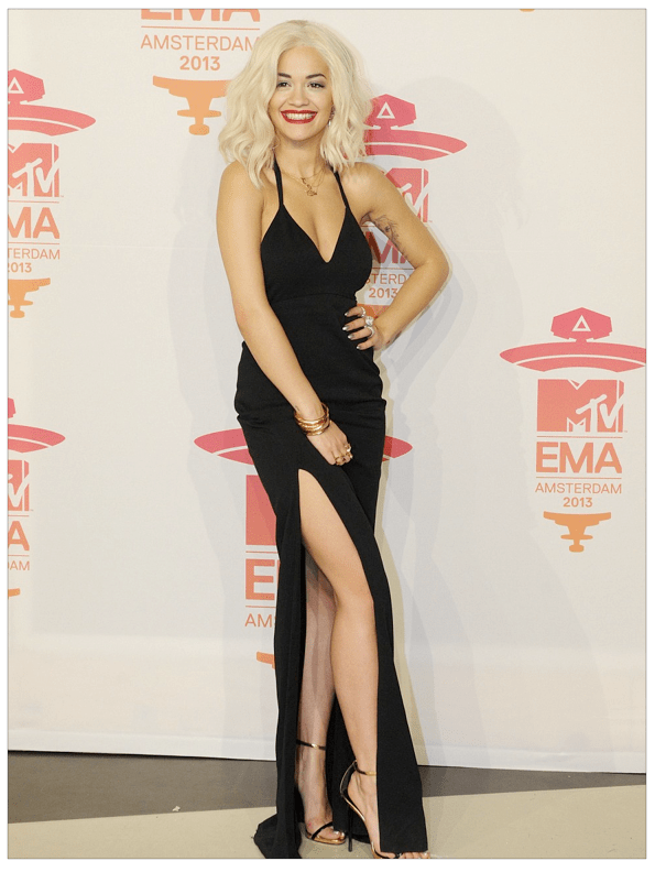Black dress with a sexy cut-out from Rita Ora