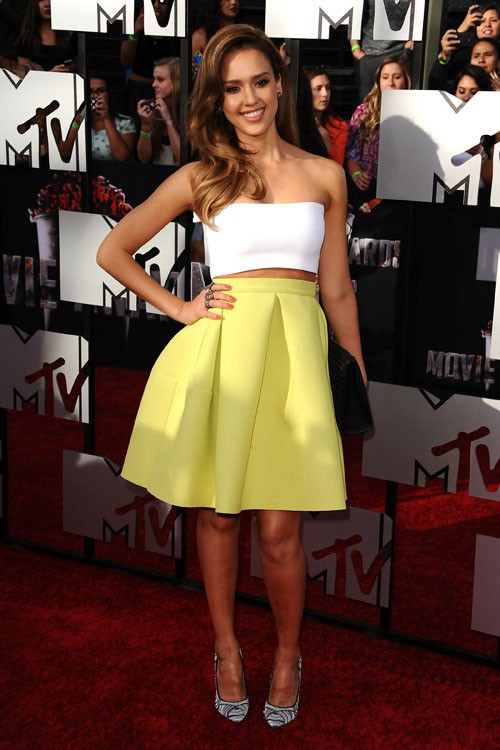 Crop-top-and-midi-skirt-from-Jessica-Alba