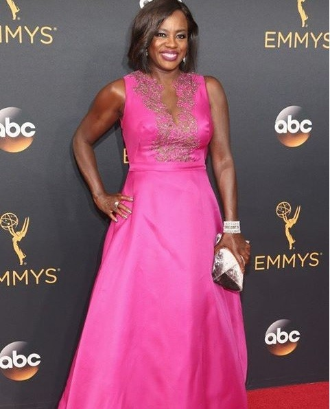 10 Unbelievably Stunning Looks from the 2016 Emmy Awards