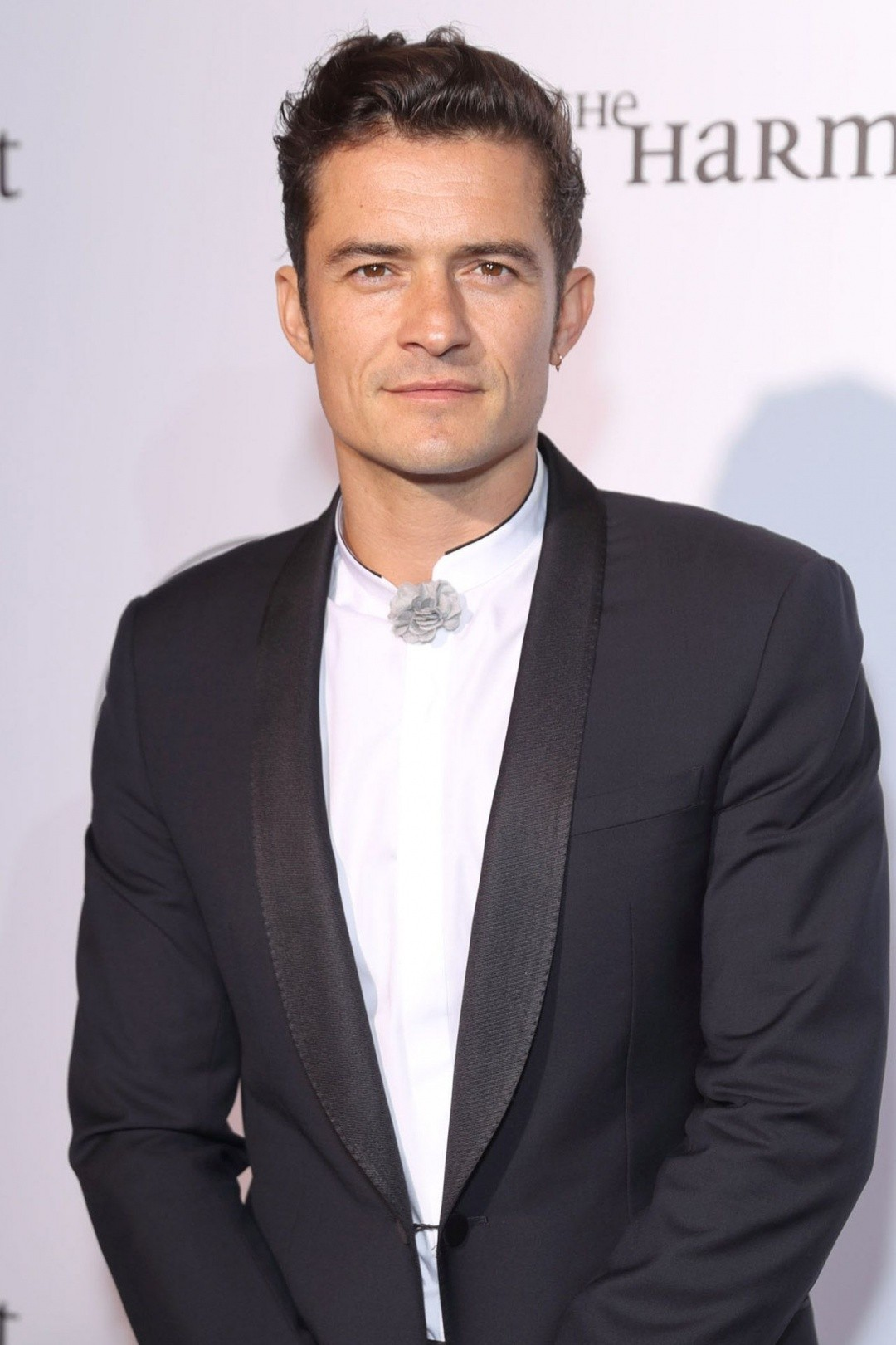 Orlando Bloom 10 Celebrities with the Extremely Gross Hygiene Practices