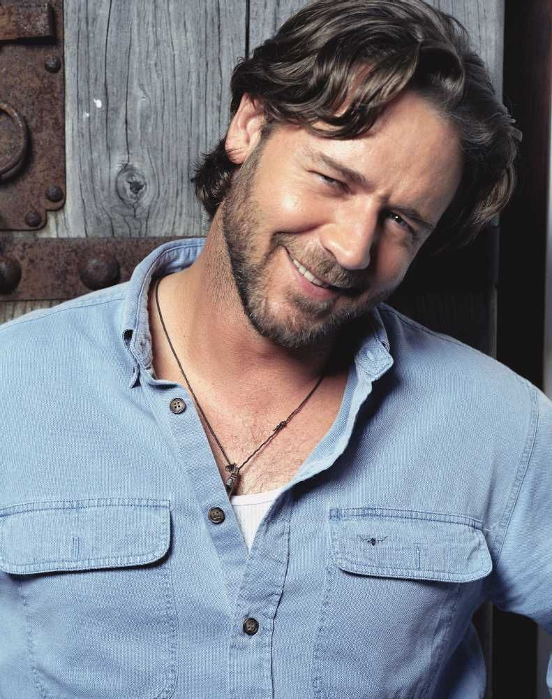Russell Crowe 10 Celebrities with the Extremely Gross Hygiene Practices